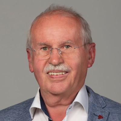 Dr. Dieter Claus